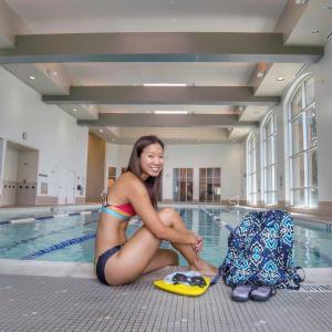 allenamento nuoto gambe