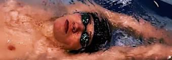 Esercizio Nuoto Dorso: Gambe e Occhialini