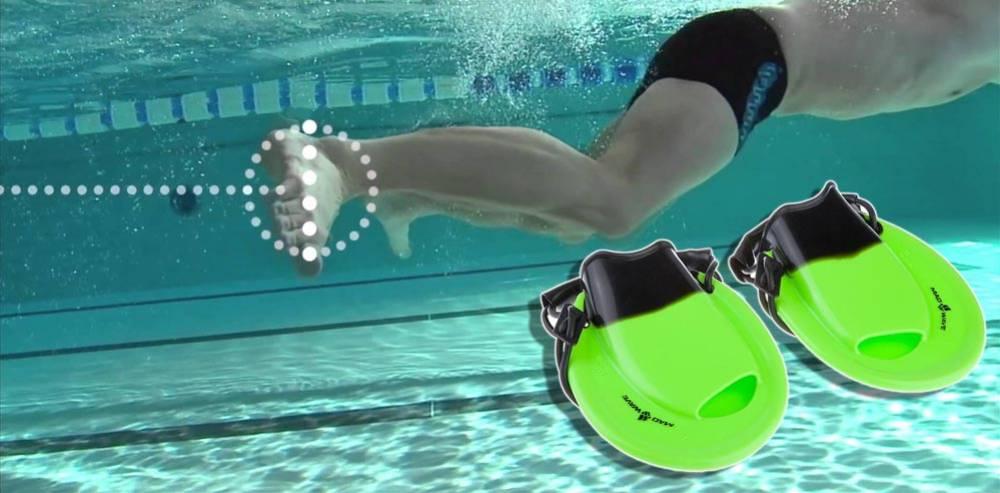 Le pinne tonde nuoto positive drive sono ottime per la rana come per tutti gli altri stili ti - Pinne per piscina ...